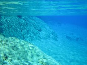 blue_lake_underwater_2